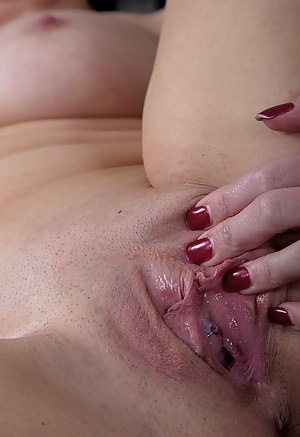 Wet Pussy Porn Pictures